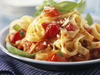 Simple Tomato and Basil Pasta