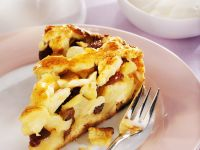 Sliced Apple and Raisin Sponge recipe