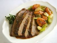Sliced Beef with Carrots and Leeks recipe