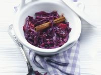 Slow Cooker Spiced Red Cabbage recipe