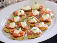 Smoked Almon Blinis recipe