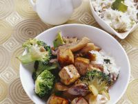 Soya Cubes with Mushrooms and Broccoli recipe