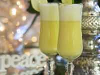 Snowball Cocktail with Eggnog recipe