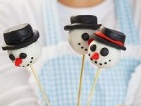 Snowmen Cake Pops recipe