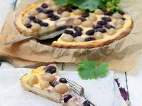 Sour Cream Cheesecake with Grapes recipe