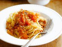 Spaghetti with Bacon and Garlic recipe