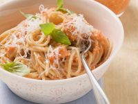 Spaghetti with Bell Pepper Pesto recipe