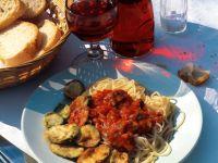 Spaghetti with Fried Zucchini and Tomato Sauce recipe