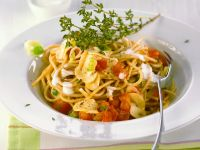 Spaghetti with Mushroom-tomato Sauce recipe
