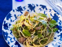 Spaghetti with Mussels, Chervil and Spinach recipe