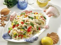 Spaghetti with Seafood and Peppers recipe