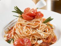 Spaghetti with Tomato Sauce recipe
