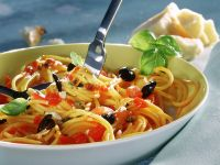 Spaghetti with Tomatoes, Olives and Capers recipe