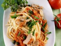 Spaghetti with Tuna and Tomato Sugo recipe
