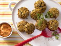 Spelt Patties with Pepper Sauce recipe