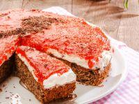 Spice Cake with Rowan Fruit Puree recipe