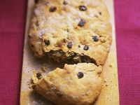 Spiced Bread with Orange and Dried Fruit recipe