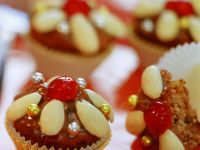 Spiced Muffins with Almonds recipe