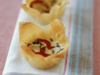 Spicy Goats' Cheese Cups