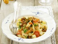 Spicy Tagliatelle with Chanterelles and Cherry Tomatoes recipe