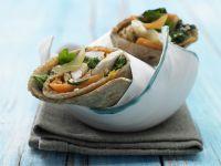 Nettle-Chicken Wraps recipe