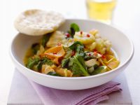 Spinach Curry with Apple, Persimmon and Banana recipe