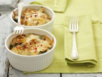Spinach Gratin with Cheese and Almonds recipe