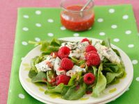 Spinach Salad with Cheese and Berries recipe
