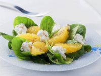 Spinach Salad with Oranges and Goat Cheese recipe