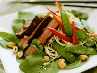 Spinach Salad with Steak Strips recipe
