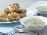 Spinach Soup with Muffins