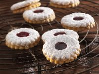 Spitzbuben (German Jam Sandwich Cookies) recipe