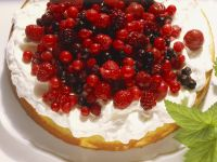 Sponge Cake with Whipped Cream and Berries recipe