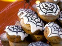 Spooky Spider Cakes recipe