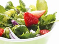 Spring Salad with Strawberries and Red Onion recipe