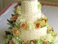 Stacked Wedding Cake with Cinnamon and Currants recipe