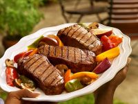 Steaks with Grilled Vegetables recipe