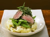 Steaks with Peas and Mashed Potatoes recipe
