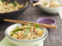 Stir-Fried Chicken with Noodles and Vegetables recipe