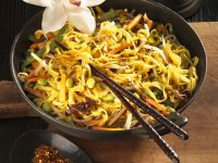 Stir-Fried Noodles with Wood Ear Mushrooms and Edamame recipe