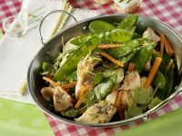 Stir-Fried Turkey with Snow Peas and Carrots recipe