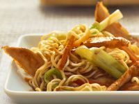 Stir-Fried Turkey with Vegetables and Udon Noodles recipe
