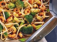 Stir-Fry Shrimp with Broccoli and Sprouts recipe
