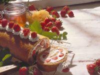 Strawberries and Cream Roulade recipe