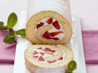 Strawberry and Cream Roulade recipe