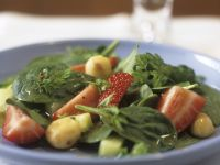 Strawberry and Spinach Salad with Macadamia Nuts recipe