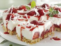 Strawberry Cake with Coconut
