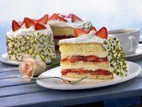 Strawberry Cake with Pistachios recipe