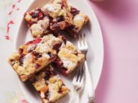 Strawberry Cake with Streusel recipe
