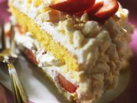 Strawberry Cream Cake with Meringue recipe